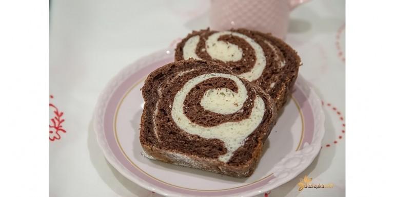 Jogurtový kakaový koláč z Nutrifree Mix per pane